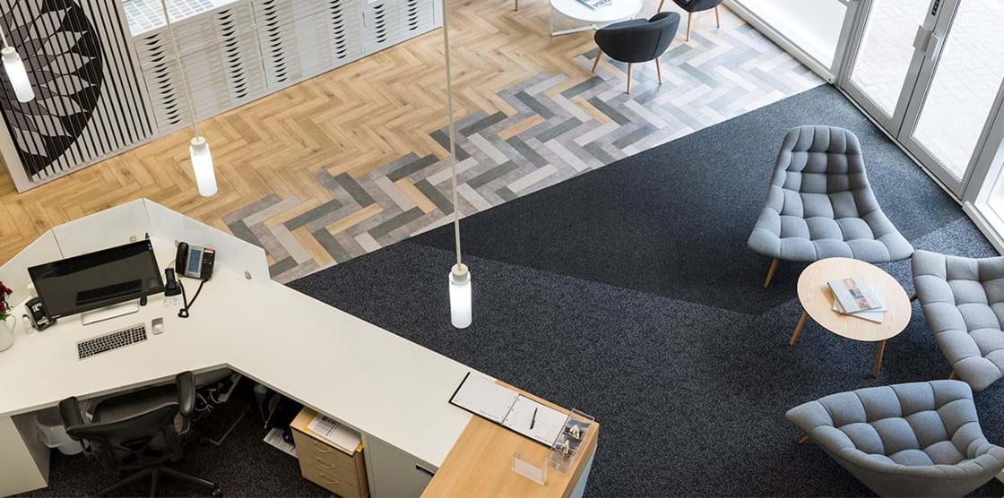 Amtico Produkte Smart Kombiniert Im Amtico Headquarter In Uk