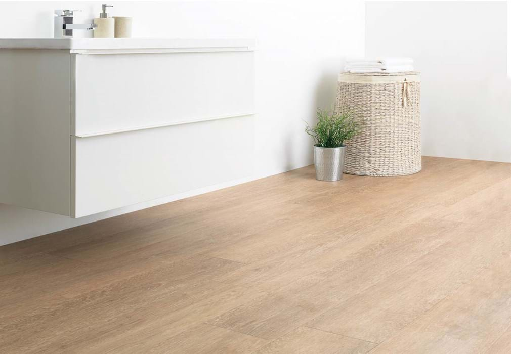 <p>Amtico Click Smart Treated Oak, SB5W3011</p>