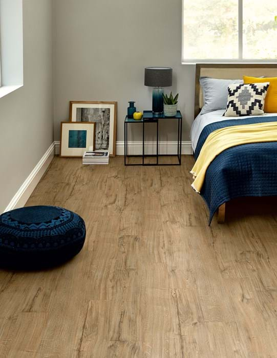 <p>Amtico Click Smart Featured Oak, SB5W2533</p>