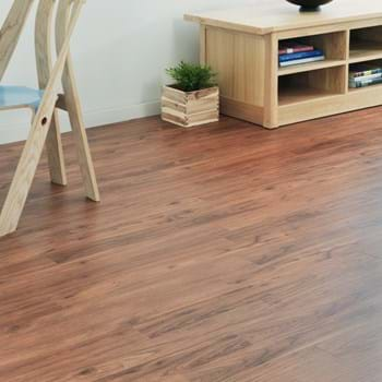 Amtico Spacia in Warm Walnut (SS5W2543)